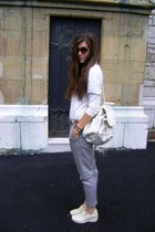 off white leather comfy Geox shoes - heather gray Zara pants