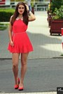 Coral-dress-coral-heels