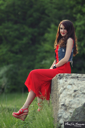 red dress - blue jacket - red sandals