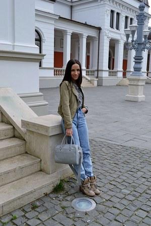 Zara coat - Bershka jeans - Zara shirt - Zara bag - Zara sneakers