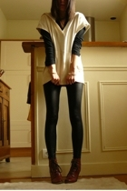 beige Uniqlo top - red Topshop shoes - black American Apparel leggings