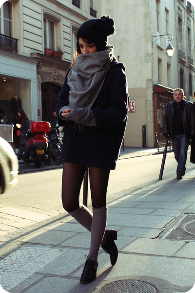 black shoes - gray socks - blue coat - black hat