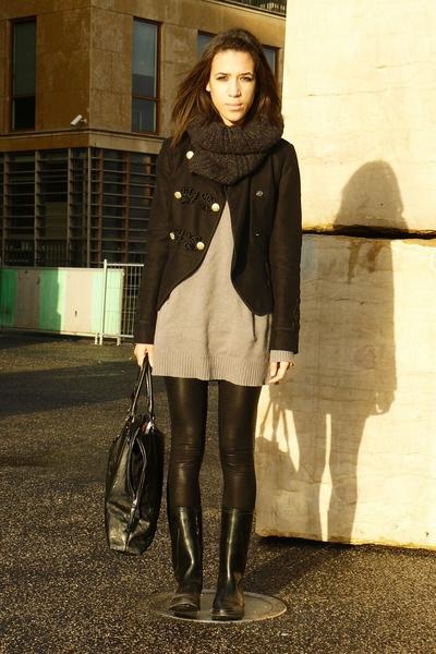 Topshop jacket - Zara sweater - American Apparel panties - Decathlon boots - H&M