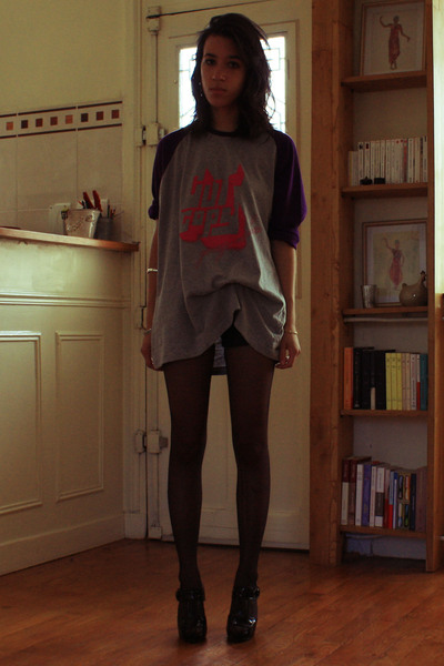 Modular Records x Uniqlo shirt - Mango shorts - Newlook shoes
