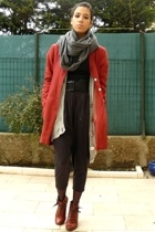Cacharel jacket - united colors of benetton - Tomb Raider shirt - H&M pants - To