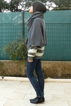 American Apparel scarf - SANDRO sweater - united colors of benetton sweater - Ch