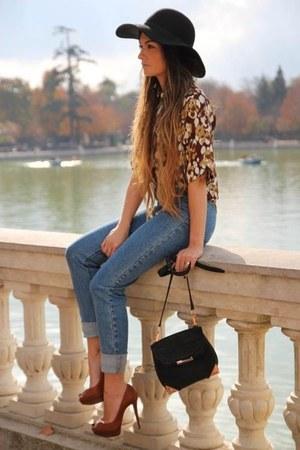 blue jeans - dark brown blouse - tawny heels