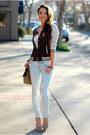 Light-blue-jeans-ivory-top