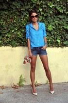 turquoise blue shirt