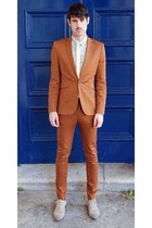 tawny suit