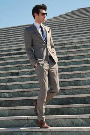 camel ted baker suit - dark brown Reiss shoes - navy vintage tie