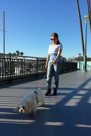 Forever 21 boots - Old Navy jeans - Tommy Hilfiger shirt - Ray Ban sunglasses