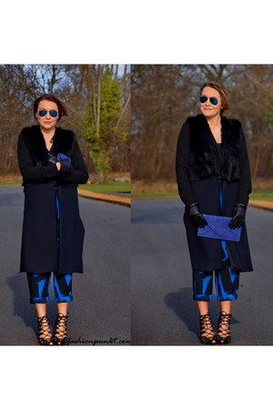 blue Ray Ban sunglasses - blue Zara heels