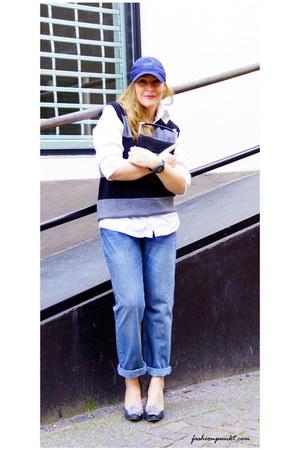 violet H&M vest - blue whistles jeans - navy vintage bag