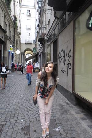 Pull & Bear pants - Bershka bag - Codiceblu blouse - Passi italiani heels
