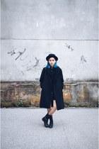 black vintage coat - thrifted boots - black Forever 21 hat