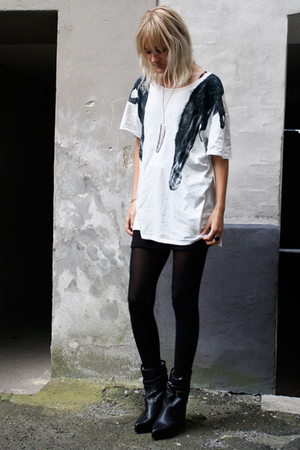 Carin Wester t-shirt - Carin Wester boots - Sowat necklace - H&M skirt