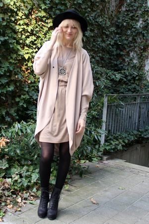 black acne boots - black vintage hat - beige COS dress - beige acne cardigan