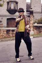 brown chess LMNTS blazer - dark brown Atual Modas hat - orange Serenite bag