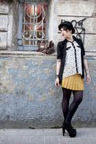 print Bella Kibella shirt - Di Cristalli boots - Pralana hat - c&a bag
