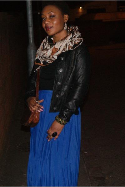 blue pleated Monki skirt - black leather River Island jacket