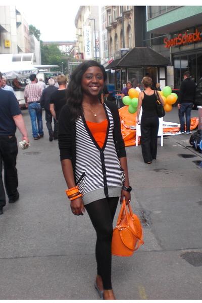 navy asoscom jumper - black Zara leggings - carrot orange H &M top