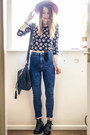 Navy-primark-jeans-black-h-m-top