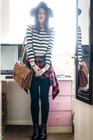 stripes top - black high waisted jeans
