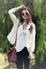 Brown-internacionale-hat-beige-lace-jacket-black-round-sunglasses