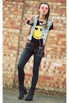 IMOMOICOM vest - Primark pants - IMOMOICOM bracelet - Romwecom t-shirt