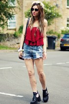 lace  burgundy top - black boots - denim shorts shorts