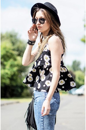 black top - black H&M hat - black heart shaped sunglasses