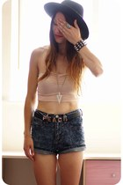 Primark belt - Oasapcom hat - Swaychiccom shorts - Primark top