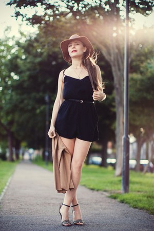 H&M hat - black H&M bodysuit - Forever 21 jumper