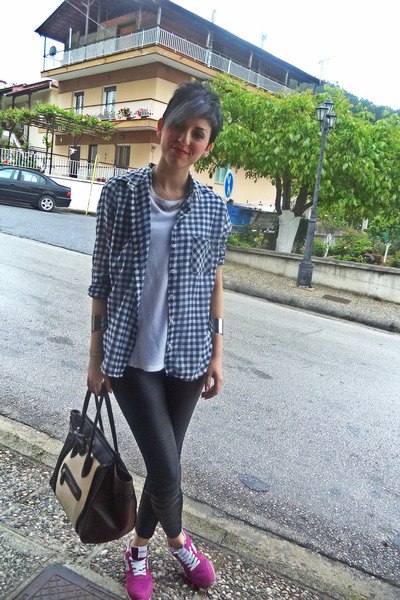 white Zara t-shirt - black Bershka leggings - navy Stradivarius shirt