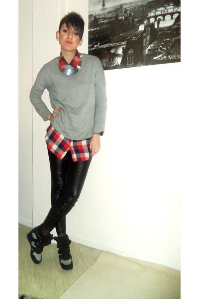 red Bershka hair accessory - black Bershka socks - silver Zara earrings