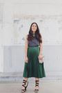 Forest-green-pleated-zara-skirt-gray-zara-top