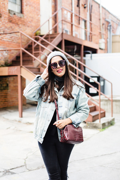 Black-skinny-zara-jeans-silver-knitted-zara-hat-light-blue-denim-gap-jacket