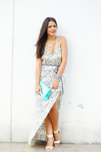 light blue maxi Mandala Vastra dress - gold layered baublebar necklace
