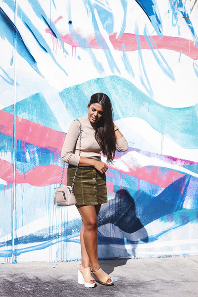 army green corduroy Agaci skirt - neutral Beau  Ash shoes