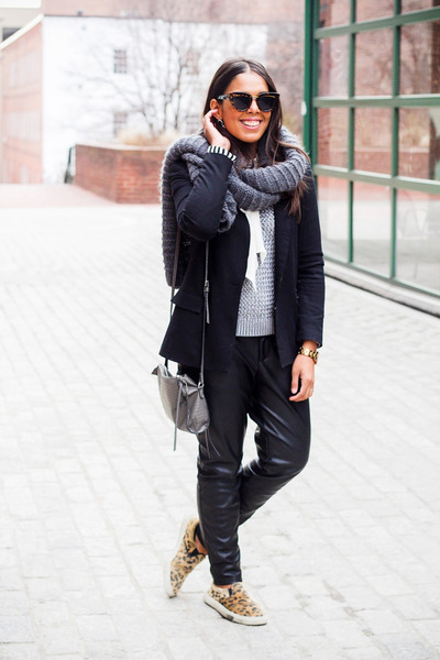 heather gray knitted Zara scarf - heather gray Forever 21 bag