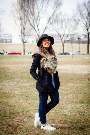 black wide brim Forever 21 hat - navy Zara blazer - white Converse sneakers