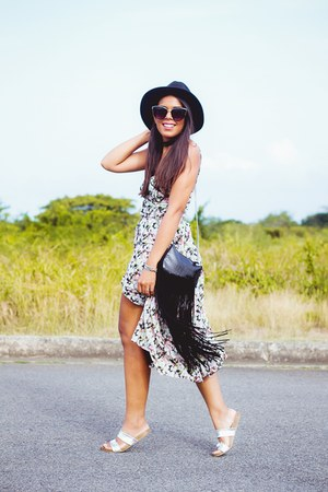 black floral print Zara dress - black wide brim Forever 21 hat