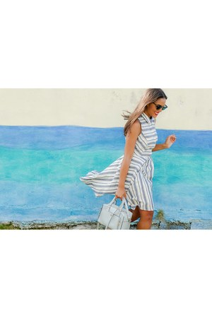 light blue striped Forever 21 dress