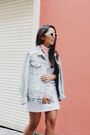 Light-blue-denim-gap-jacket-white-denim-forever-21-skirt