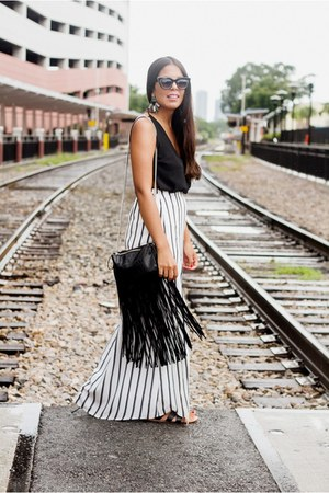 black Alist Moda top - white striped Alist Moda skirt