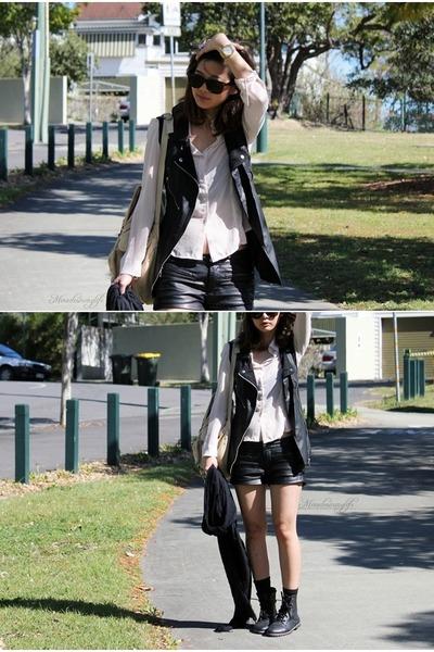 black LucydAcyd vest - black Forever21 shorts - beige vintage top - black scarf