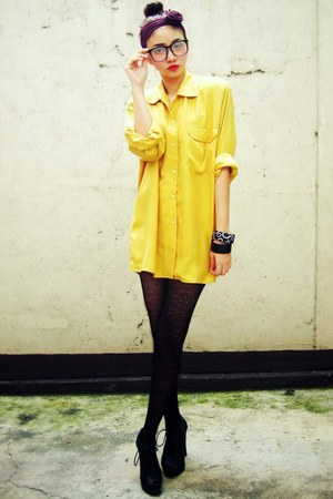 mustard vintage blouse - black lace-up heels Figlia shoes