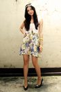 Beige-poisonberry-skirt-black-bally-shoes