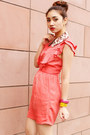 Bubble-gum-collar-bedazzle-accessories-accessories-coral-topshop-dress